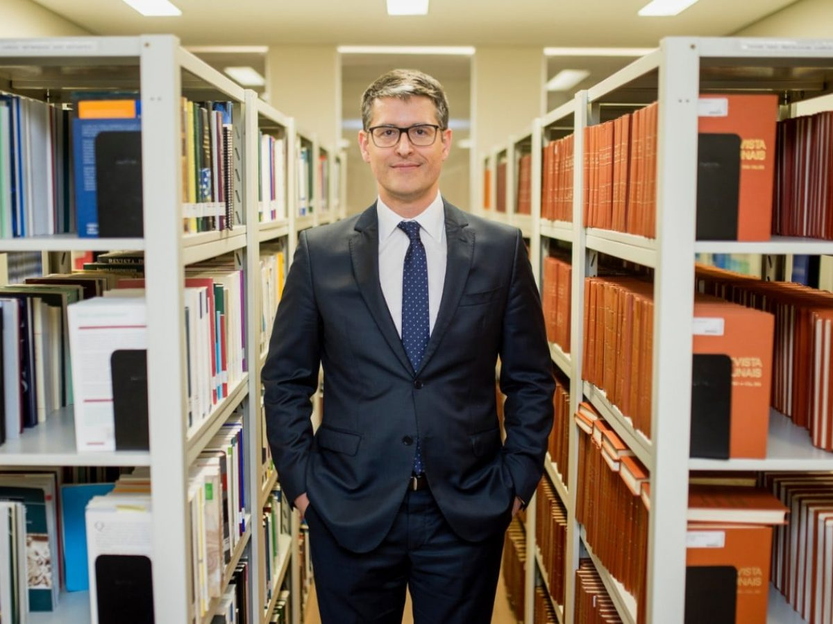 Blockchain em governos dá transparência e acaba com  venda de dados de cidadãos, diz advogado