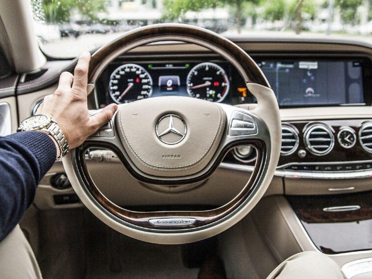 Mercedes-Benz rastreia emissão de CO2 em cadeia de cobalto usado em baterias