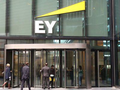 EY Brasil monta time de blockchain, desenvolve MVP para gestão de numerário e vai brigar pelo mercado