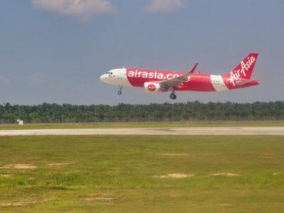 Com Covid-19, AirAsia lança plataforma para agendar transporte aéreo de carga