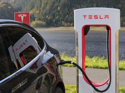 Após teste com carros Tesla, CargoSmart vai expandir experimento